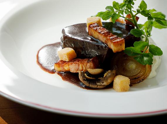 beef-bourguignon-02-w-202105